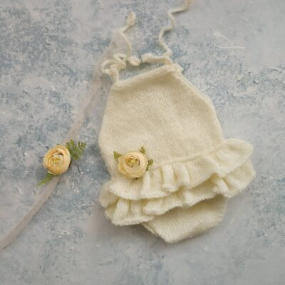 handknitted Lovely woolen outfit for new born